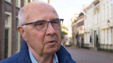 Meneer bakker is boos over pensioenkortingen