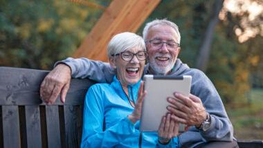 Online daten: liefdesgeluk of kaalgeplukt?