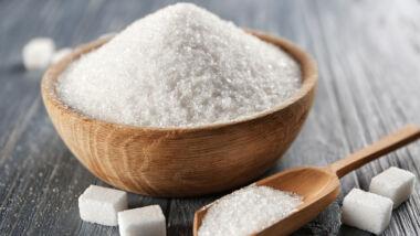 Wetenschappers voor het karretje gespannen van suikerindustrie